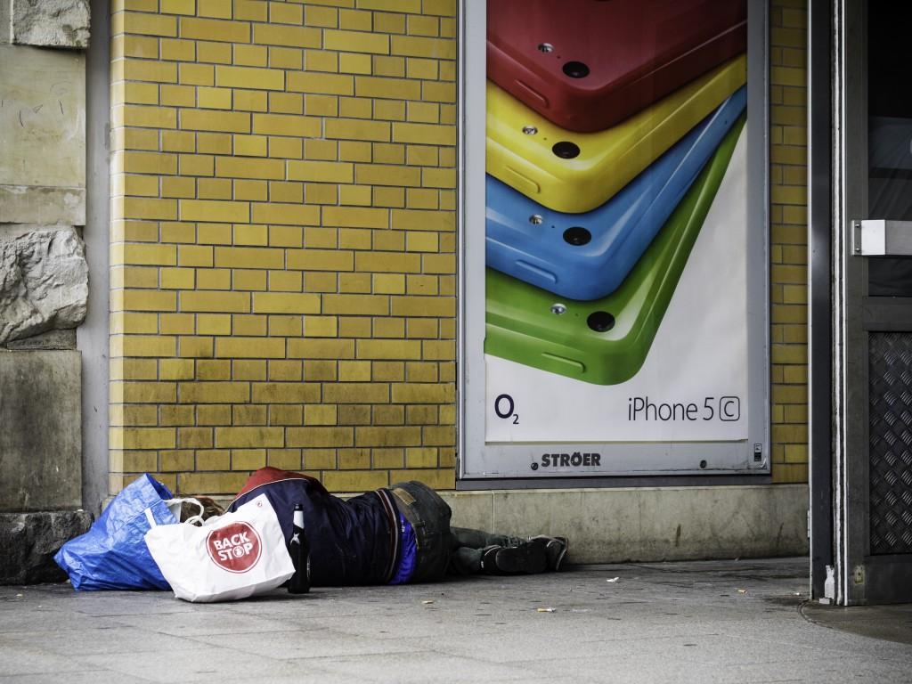 Obdachloser, iPhone Werbung