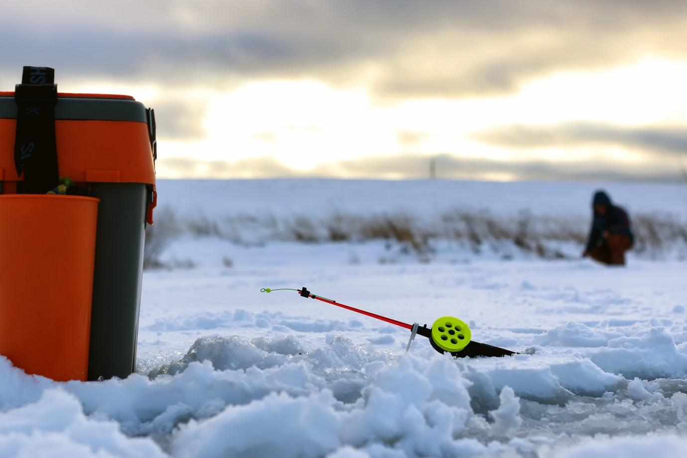 The 5 best ice fishing rods in 2017 don 39 t buy a fishing for Ice fishing 2017