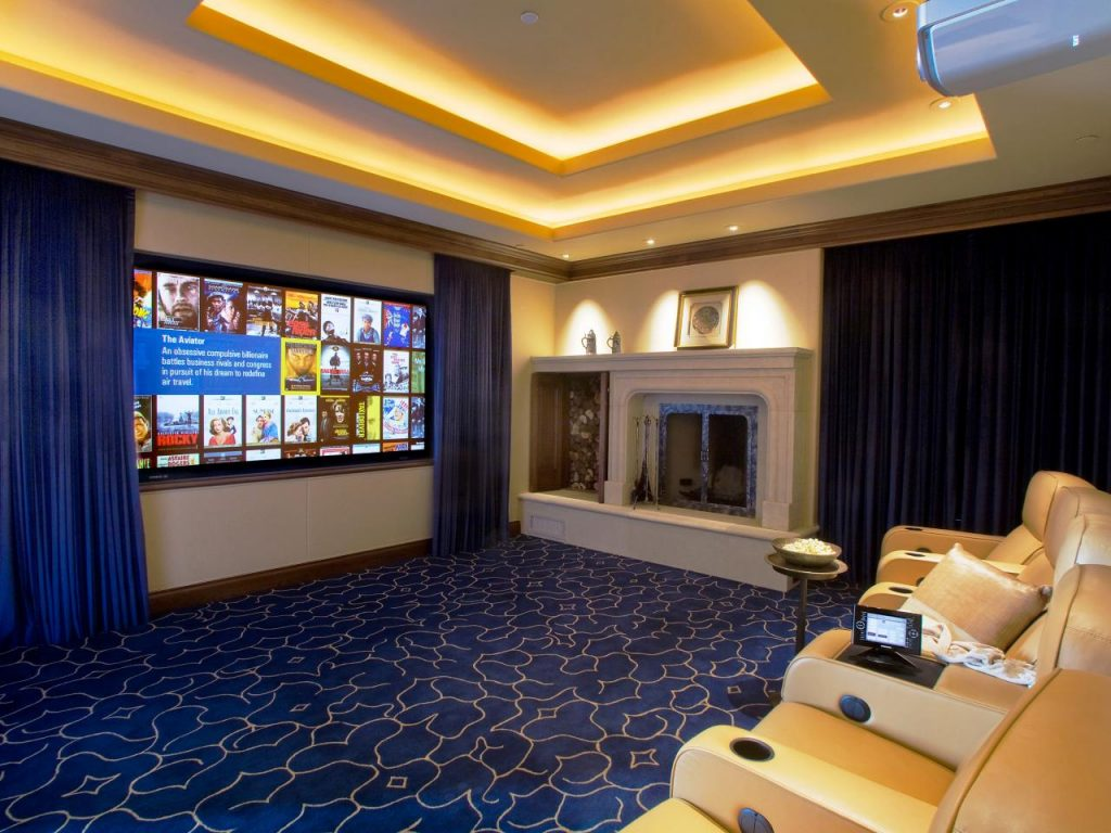 Turn Room Into Club House