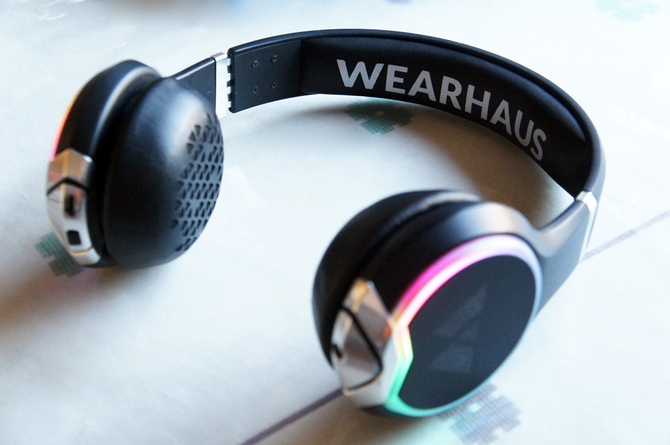 I-Kool Freeze Limited Edition Series Foldable Headphone With Swivel Function, Black Under $50