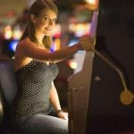 An Ultimate Guide: Why You Should Play Slot Machines Online