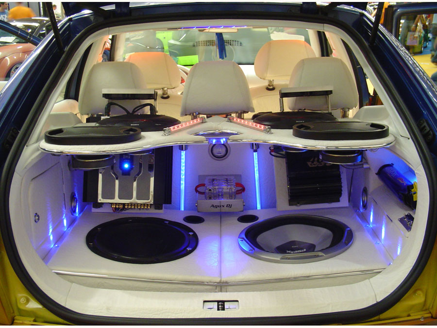 Car Audio System >> 7 Ways To Enjoy A Long Car Journey Techno Faq