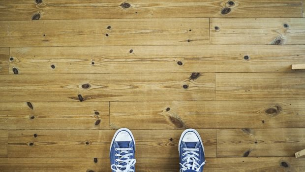 7 Useful Ways To Clean and Maintain Laminate Floors | Techno FAQ