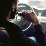 A brief guide about vaping while driving