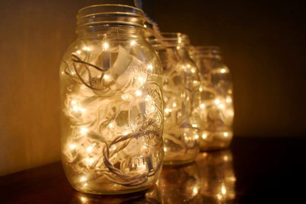 C:\Users\222\Desktop\mason-jar-with-lights.jpg