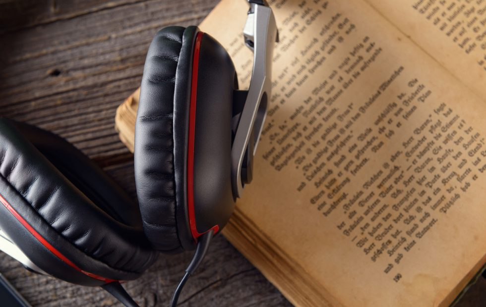 7 Best Audiobook Apps for iPhone | Techno FAQ