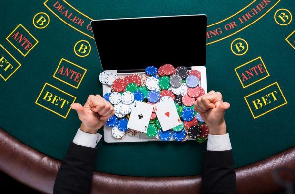 Online casino deals играть в карты солитер пасьянс бесплатно