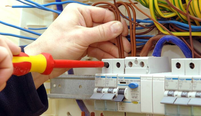 24 hour electrician